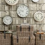 Designer-wall-clocks-gemptliches-living-room-wall-color-mint