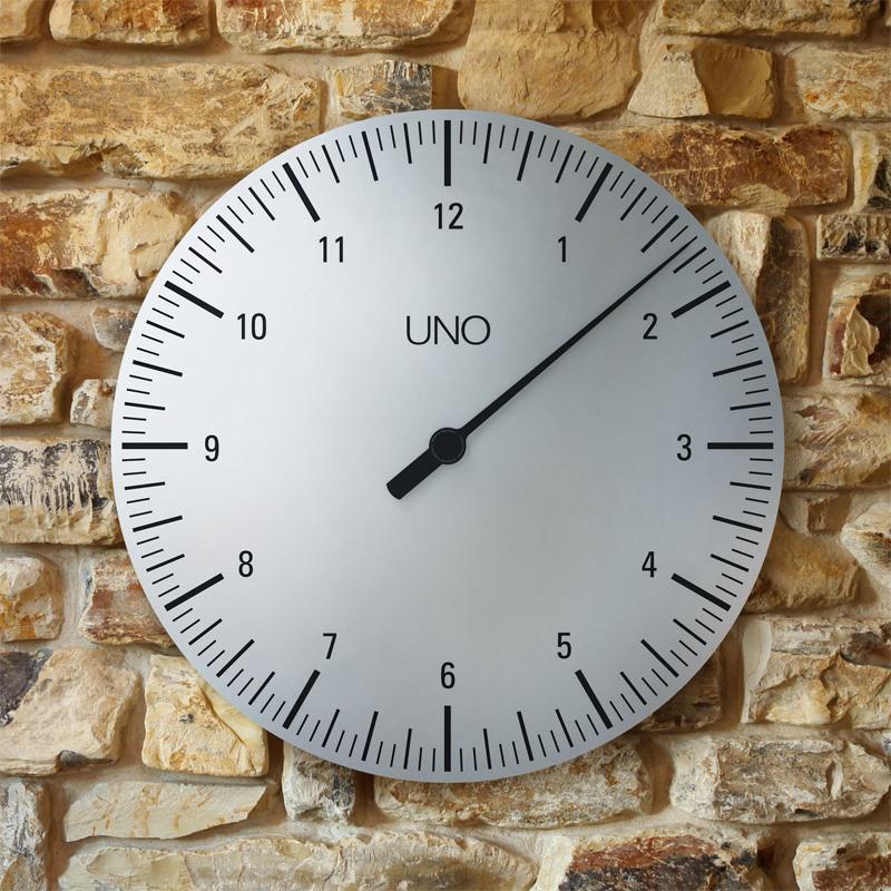 Качественные настенные часы фирмы УНо