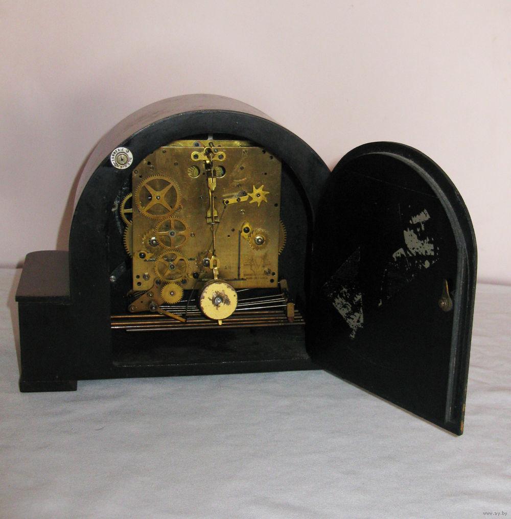 Английские часы с потайной дверцей