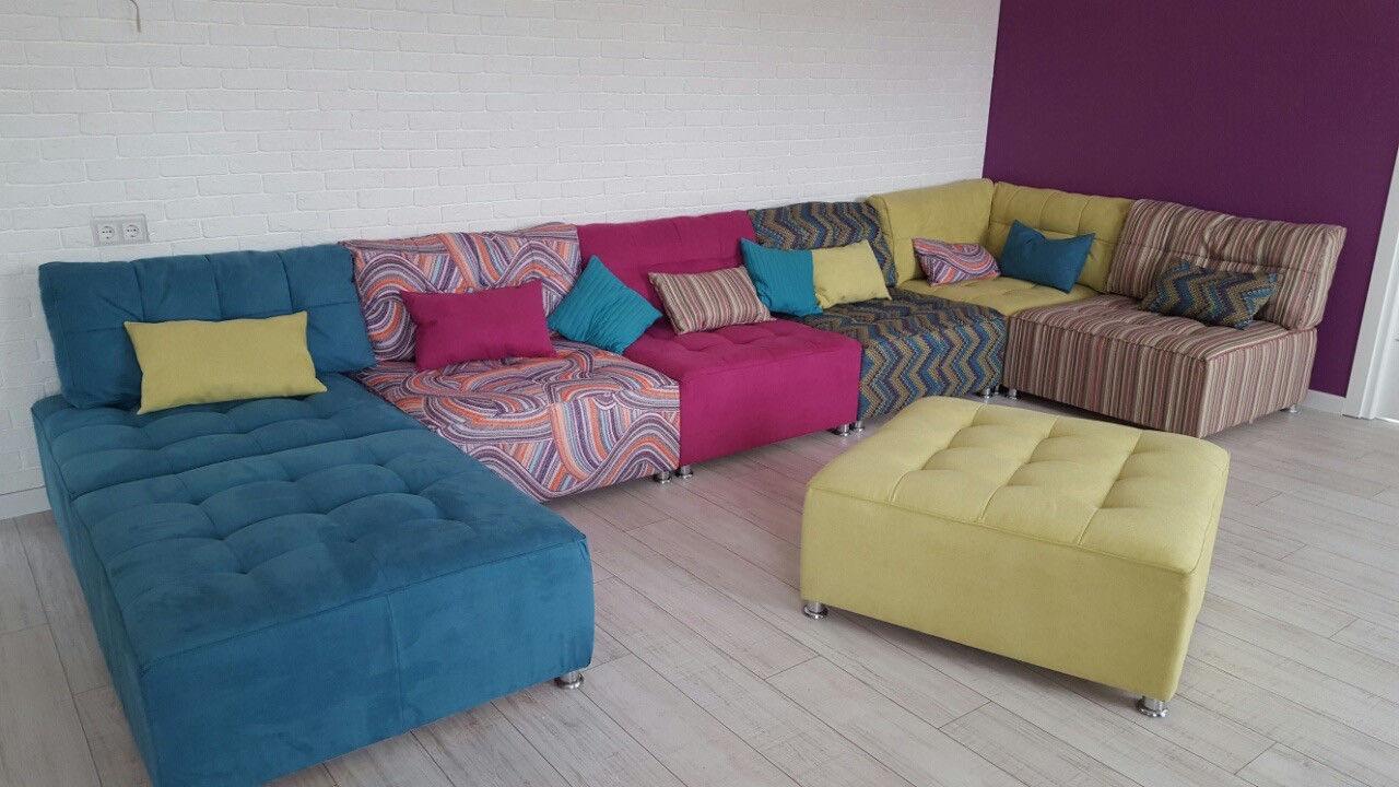 Модульный диван из разных материалов