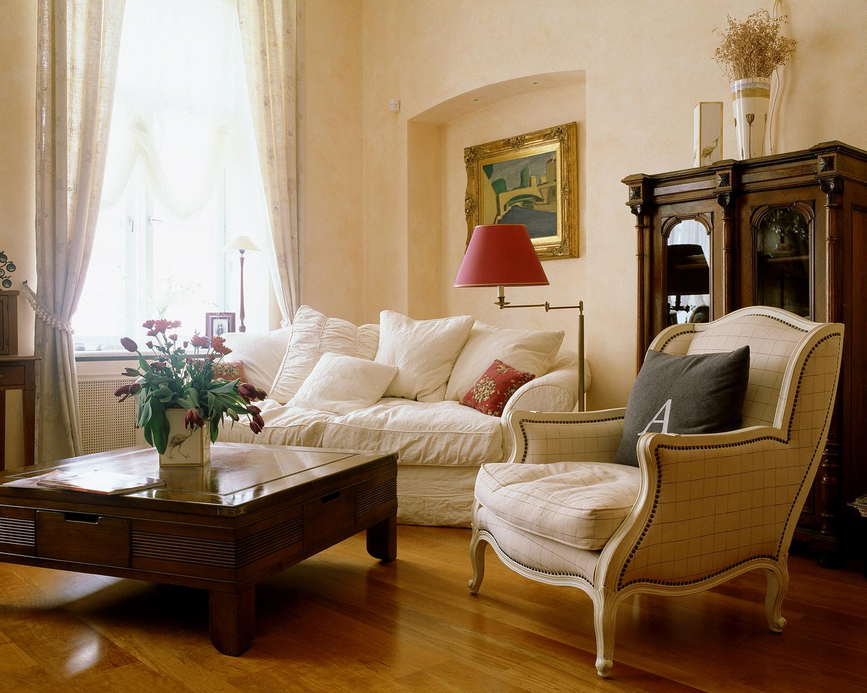 Интерьер для гостиной 18 кв м в классическом стиле