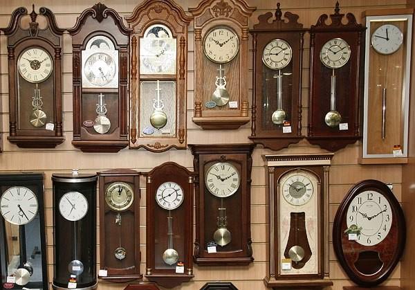 Маятниковые настенные часы