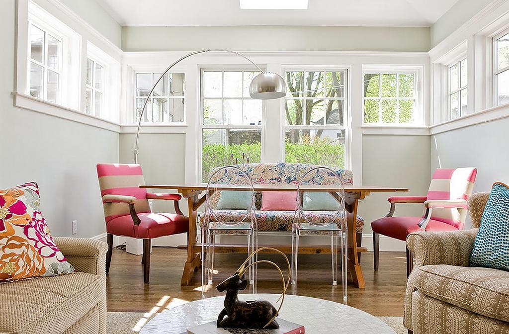 Смешение стилей в интерьере светлой гостиной