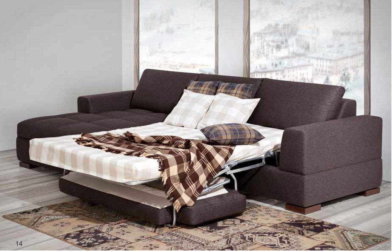 Небольшой модульный диван с двуспальным местом