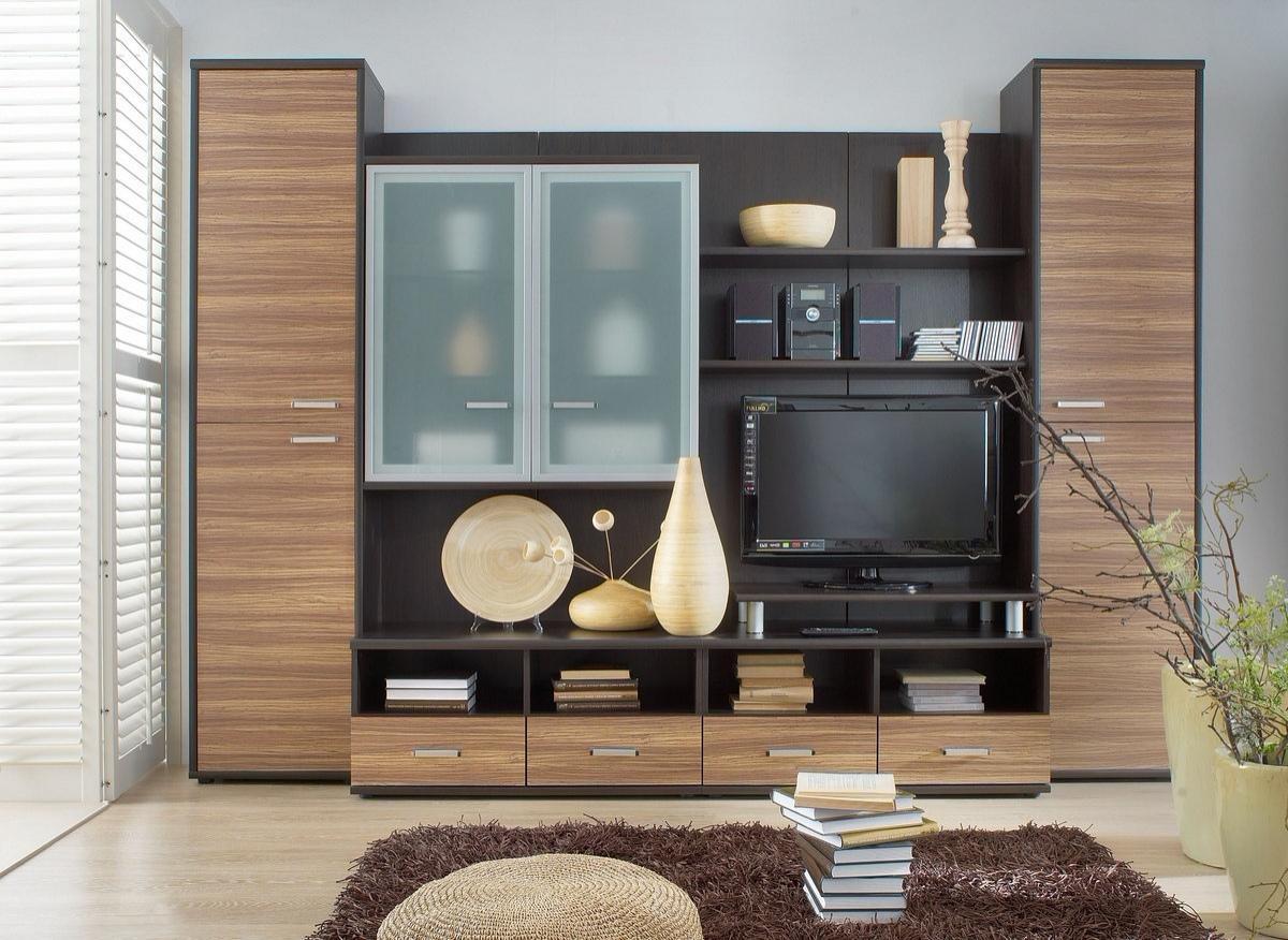 Компактная, но вместительная стенка в гостиную в современном стиле