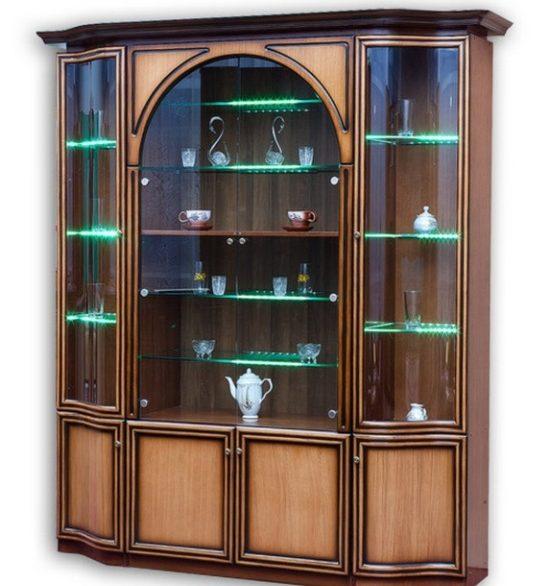 Шкаф- витрина для посуды с подсветкой полок