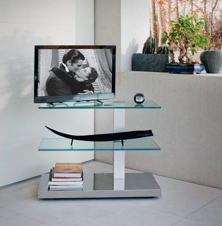 Угловая стеклянная тумба под телевизор на металлической подставке в стиле хай тек