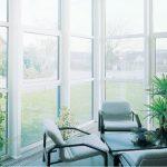 vybor plastikovyx okon dlya obnovleniya vashego doma