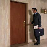 vybiraem-dveri