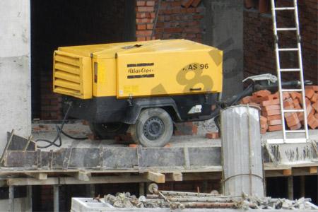 kak-vybrat-arendu-kompressora-s-betonolomom