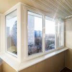 kak vybrat osteklenie balkonov i lodzhij