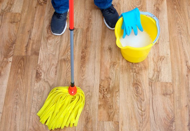 Cleaning-and-Maintaining-Engineered-Hardwood-Floors